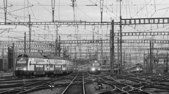 Quelles entreprises de transport négligent d'observer les signaux, lesquelles entretiennent mal le matériel roulant ? Le trafic ferroviaire en gare de Zurich. (Photo RDB/Ex-Press/RDB/Markus Forte)