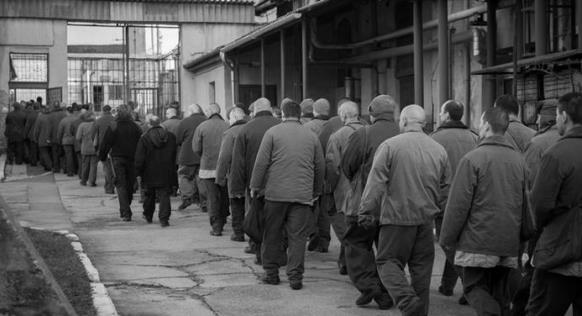 Les autorités hongroises doivent expliquer publiquement le traitement réservé aux détenus : ici, la prison de Vác.